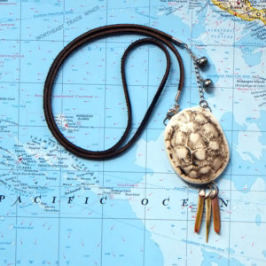 Turtle Shell Necklace – porcelain carapace